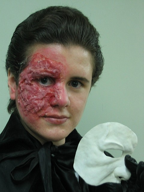 Makeup artist Kate Daley demonstrating what effects can be achieved with gelatin materials. Photo copyright 2007 Kate Daley.  Used with permission.  Check out more of her work on her website, Kate-Ations FX!